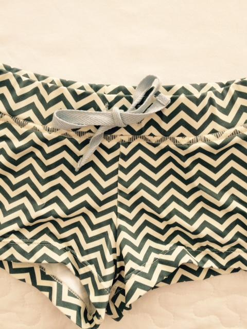 Conjunto de bañador y camiseta